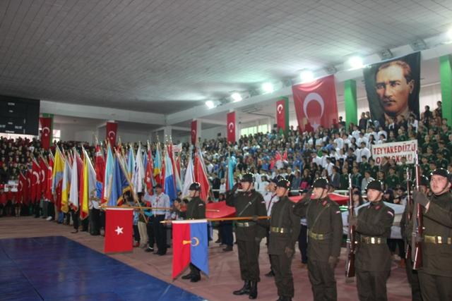 Photo of CUMHURİYET SALONDA KUTLANDI