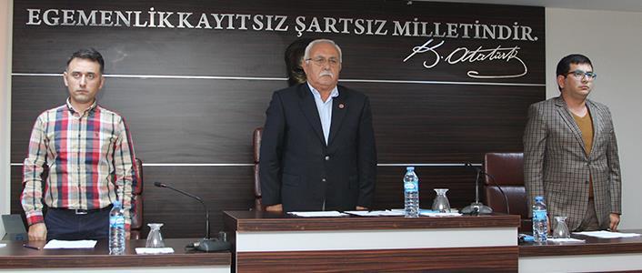 BELEDİYE MECLİSİ SAYGI DURUŞUNDA...