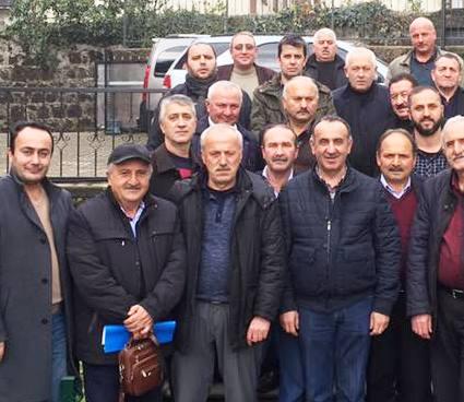 Photo of AKP MUHTARLAR ÜZERİNDEN BAŞKANA EVET KAMPANYASI BAŞLATTI