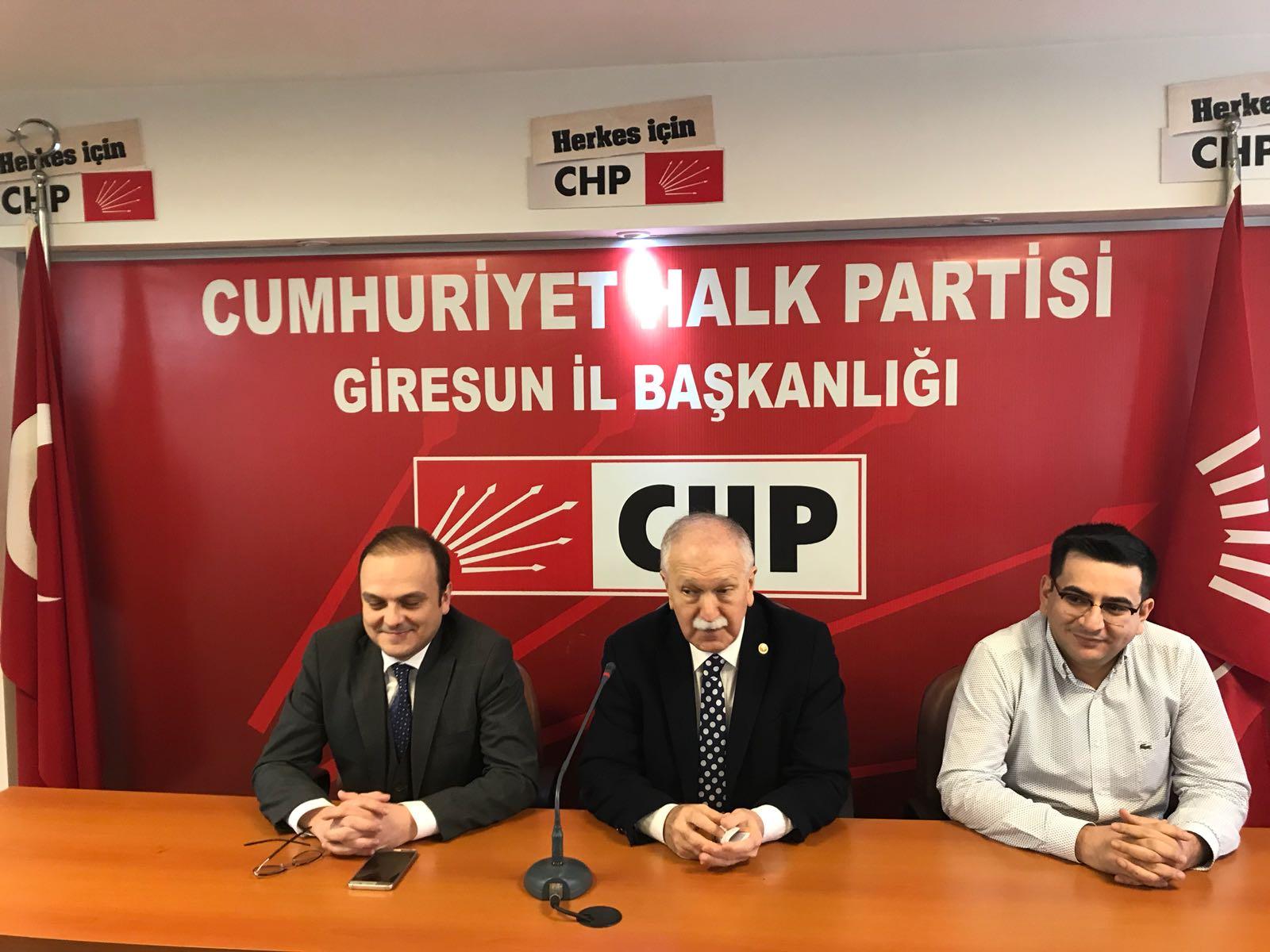 GİRESUN'DA CHP'LİLER DEMOKRATİK TÜZÜK İSTİYOR