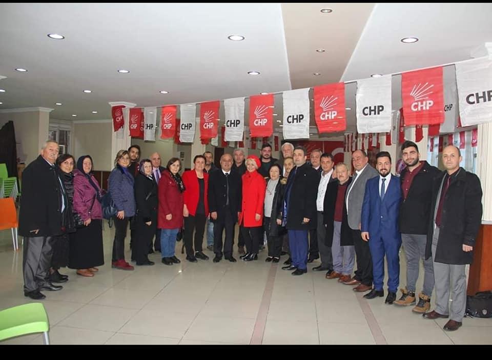 TEK KADIN CHP İLÇE BAŞKANI TİREBOLU'DA SEÇİLDİ
