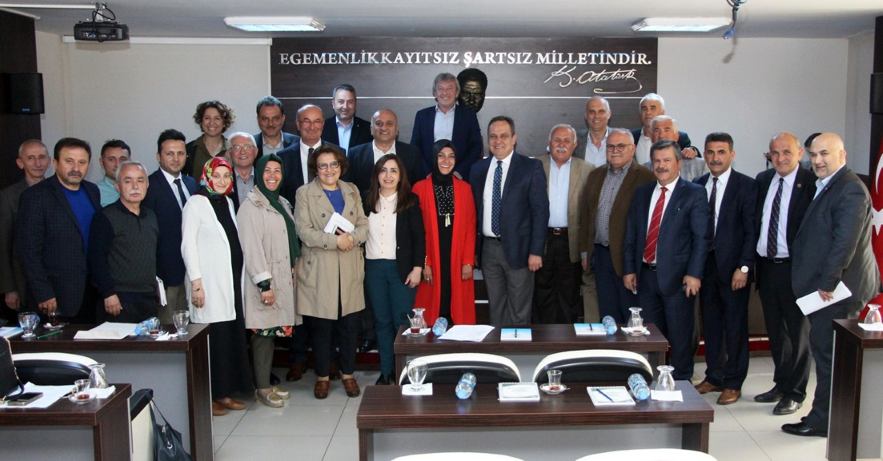 BELEDİYE MECLİSİ 'AKP'Lİ HAKİMİ' UĞURLADI