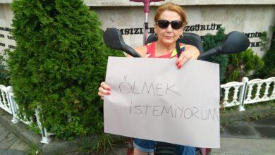 MİLLİ SPORCU HACER AKTAŞ, KADIN CİNAYETLERİ İÇİN 'DURMA EYLEMİ' YAPTI
