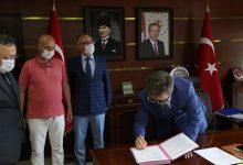 Photo of TİREBOLULU HAYIRSEVERİN OKULU İÇİN PROTOKOL YAPILDI